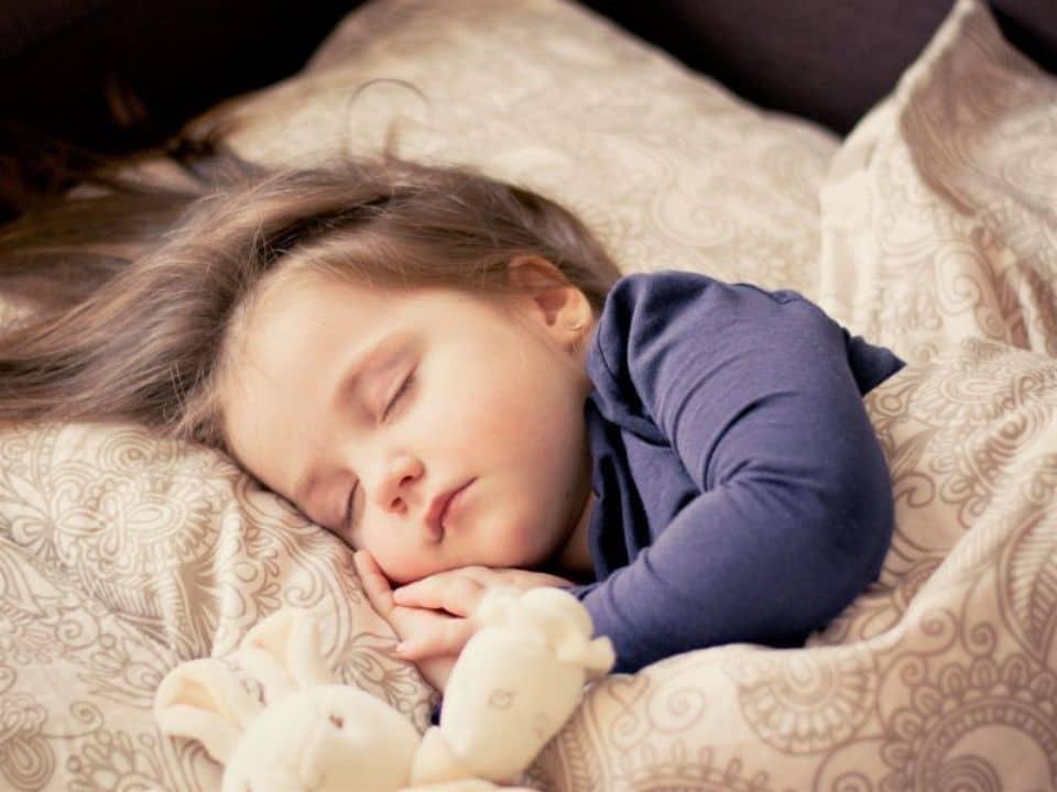 ¿Cómo tener sueños premonitorios?