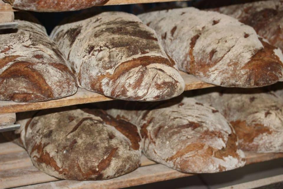 soñar con pan grande