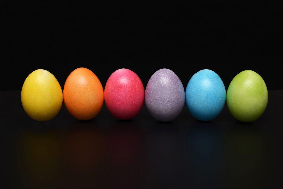 Soñar con huevos de colores