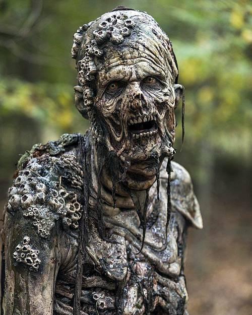 Soñar que te escondes de zombies